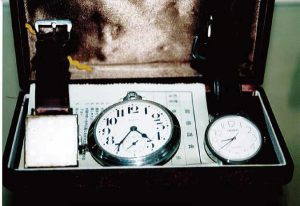 能率道の教えに従い、タイム管理をしっかりと行った懐中時計